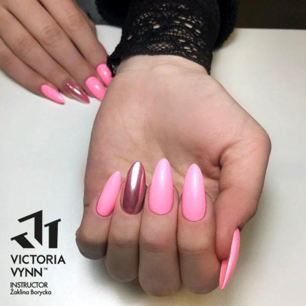 Victoria Vynn Instagram @victoriavynn